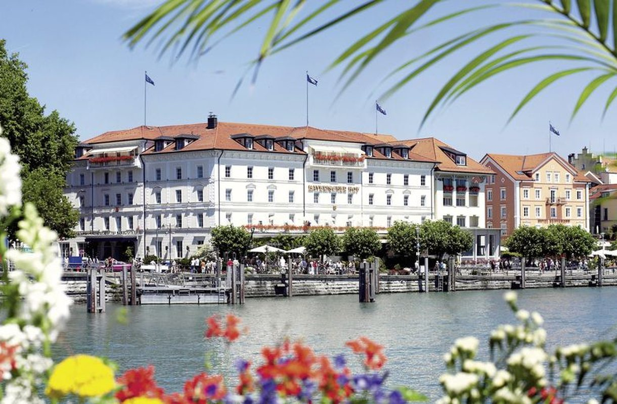 Bayerischer hof terrasse fruhstuck for Gunstige hotels in munchen